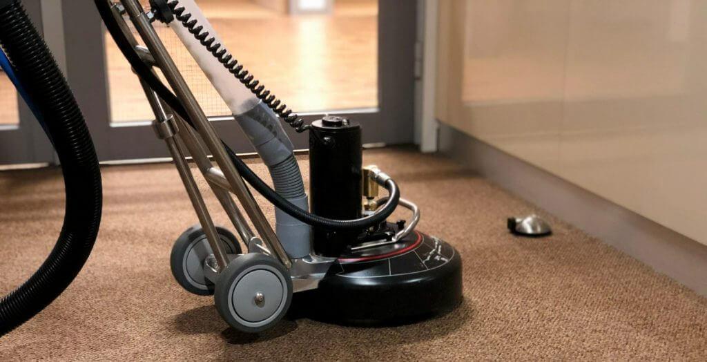 Tapijtreiniging, ook de vloer behoort tot uw werkplek!